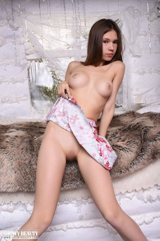 showybeauty Loli 18歳 3
